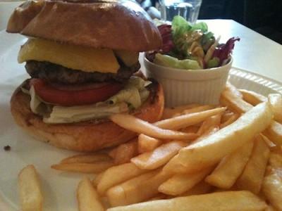 110221_burgermania06